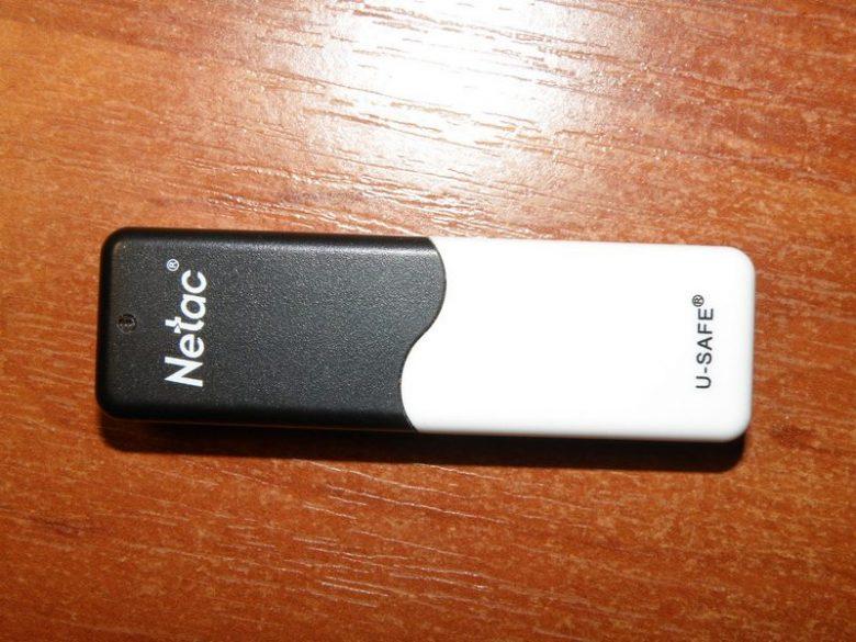 Флешка с защитой от записи - Netac U235