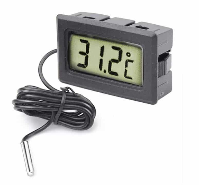 Термометр для аквариума. Можно для холодильника, внутри дома, на улице…