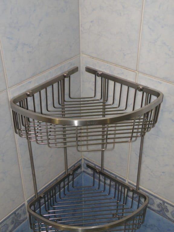 полки из нержавеющей стали в ванную комнату