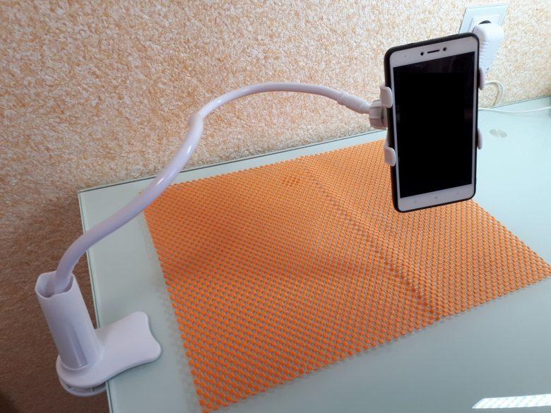Универсальный гибкий держатель телефона